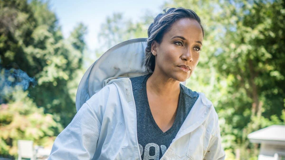 Back to Basics with Yvonna Kopacz-Wright, Actress,Bee-Keeper, and Owner of Lomar Farms